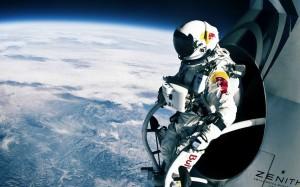 6914573-felix-baumgartner-space